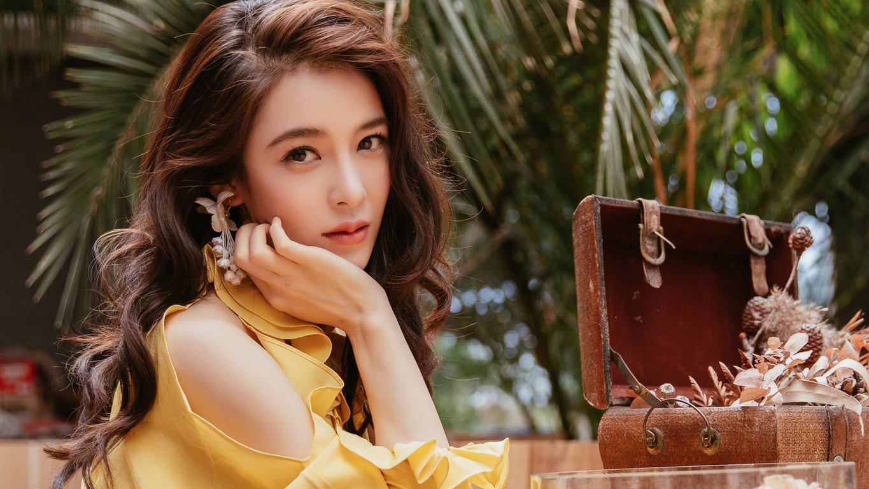 美女演員趙韓櫻子桌面壁紙圖片