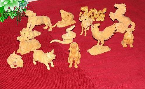 东北木雕工艺品是人们喜爱