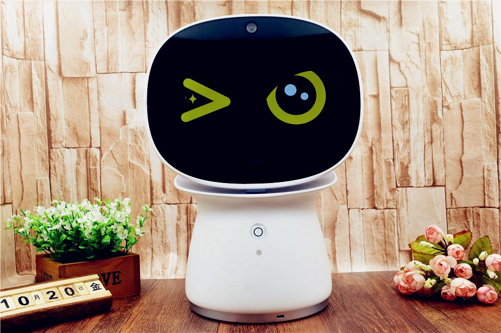 炫酷与呆萌的完美结合,360儿童机器人体验!