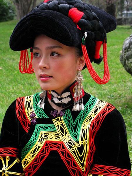 彝族衣服纹样矢量素材