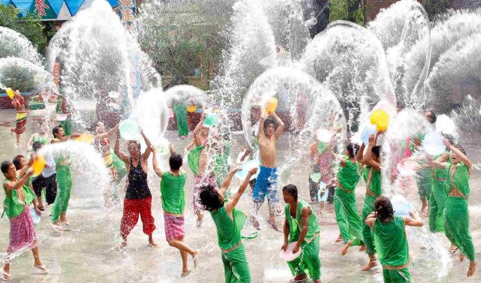 傣族的泼水节是怎样来的