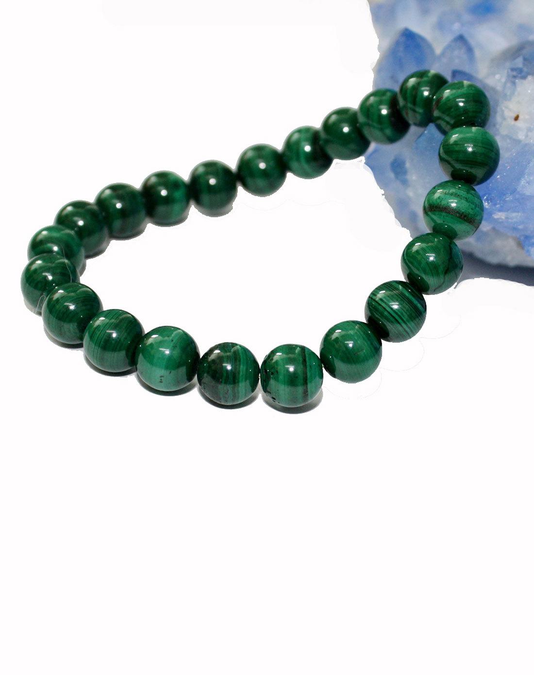 5-4,呈不透明的深绿色,且具有色彩浓淡的条状花纹——这种独一无二的